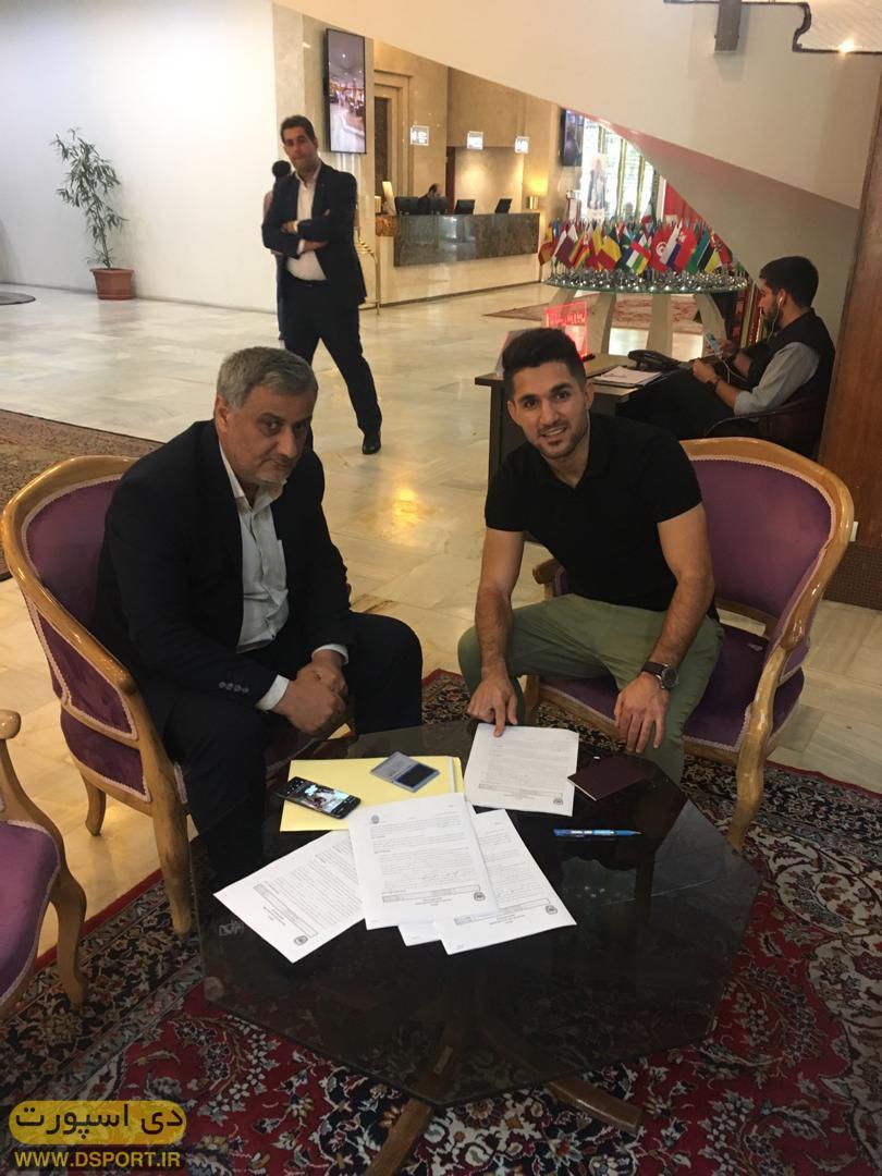 حسین مالکی با شاهین یک ساله تمدید کرد (عکس)